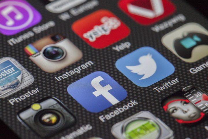 smartphone apps - social media